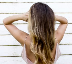 Glyceryl oleate shampoo, conditioner and de-frizzers satisfy the growing demand for earth friendly, and more natural alternatives to synthetic chemicals.